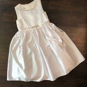 Size 8 White flower girl 1st communion dress EUC